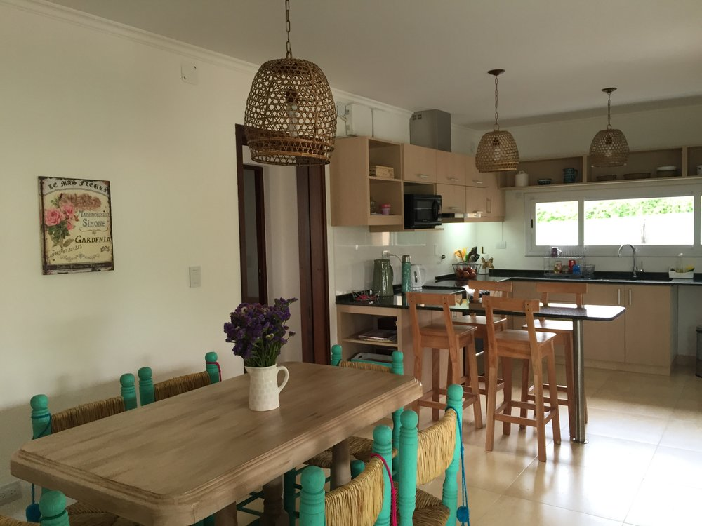 campastro - figueroa - rojo - arquitectas, estudio idear kitchen