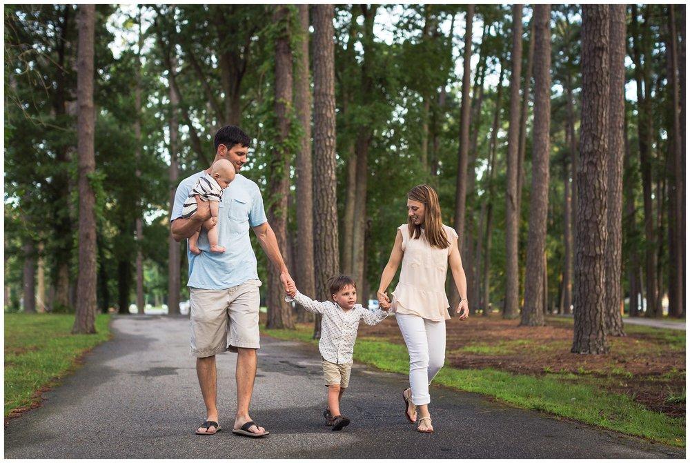 Virginia-Beach-Family-Photographer-8-2.jpg
