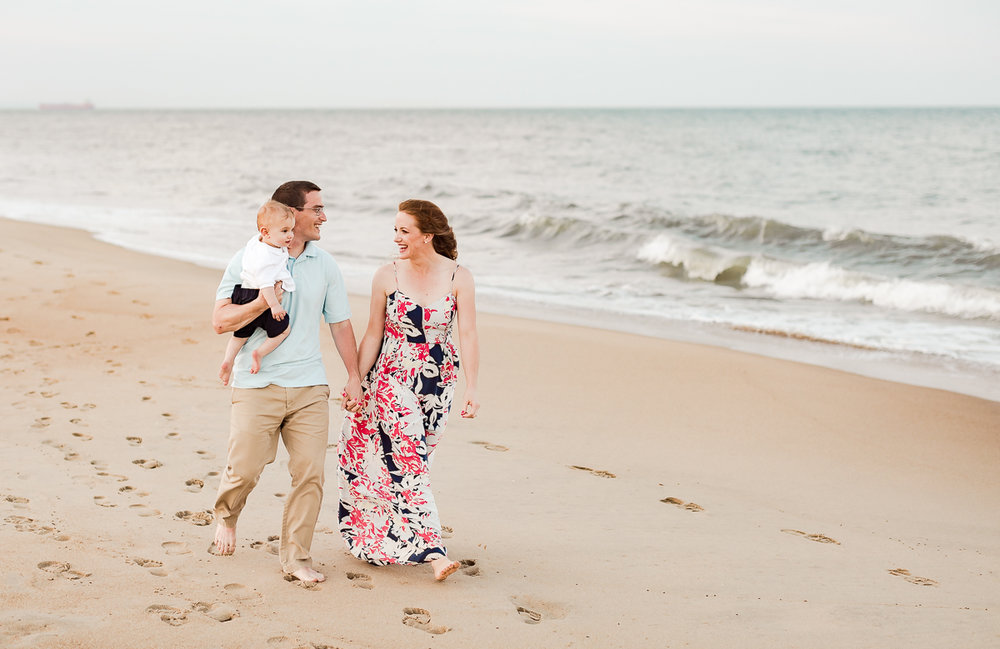 Virginia-Beach-Family-Photographer-10.jpg