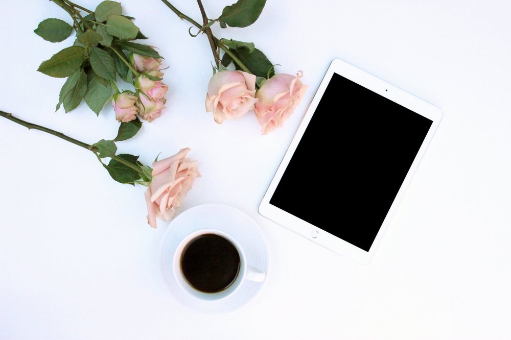 You can book directly online with your ipad, phone or computer - what are you waiting for? More information here: https://tinekefloraldesigns.co.uk/about-the-flower-school/