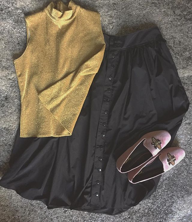 🔅transitional weather ahead here in chicago🔅 my almost-autumn picks: a vintage gold mock neck top, some fresh velvet loafs, + a handmade button midi!