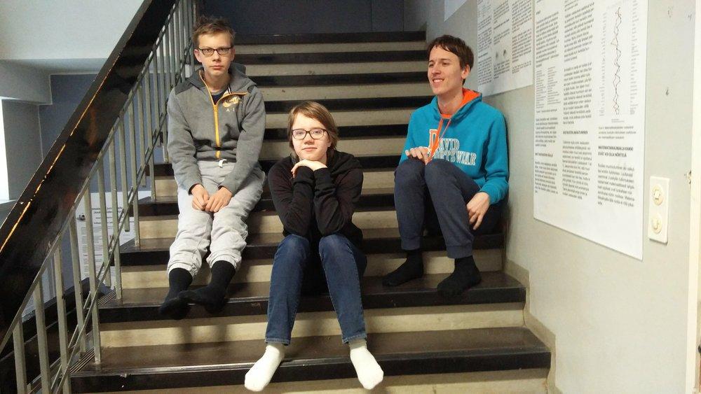 Vasemmalta: Antti, Pinja ja Joose.