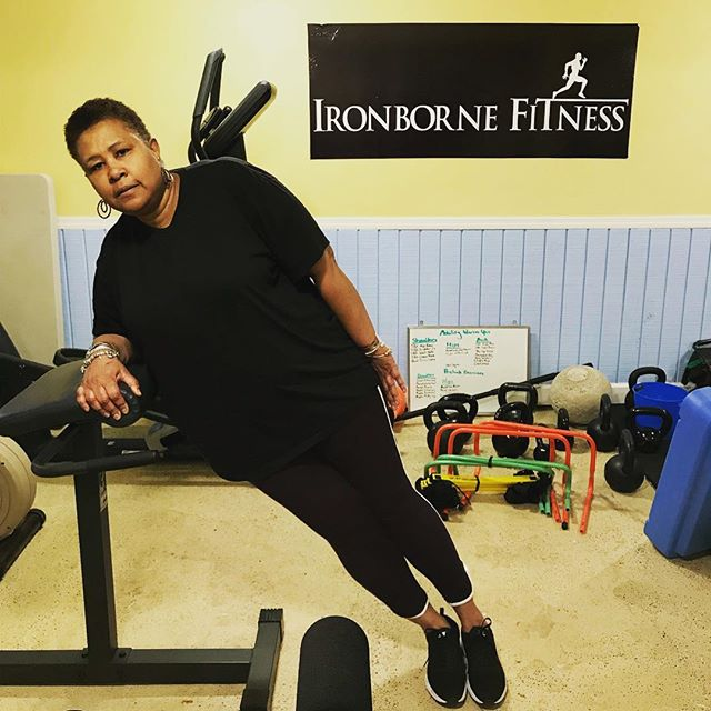 Working hard on those side planks today!  #personaltrainer #personaltraining #statenisland #gym #fitness #fitfam #fitnessmotivation #fitspo #Ironborne