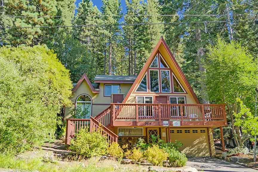 3614 Saddle Road, near Heavenly Bedrooms: 3 Sleeps: 8 Minimum: 5 nights
