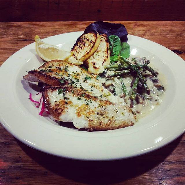 FRIDAY'S FRESH CATCH Pan seared #flounder with creamed #asparagus and #mushrooms. #realfood #realfast #Reelfish #Lafayette #Colorado
