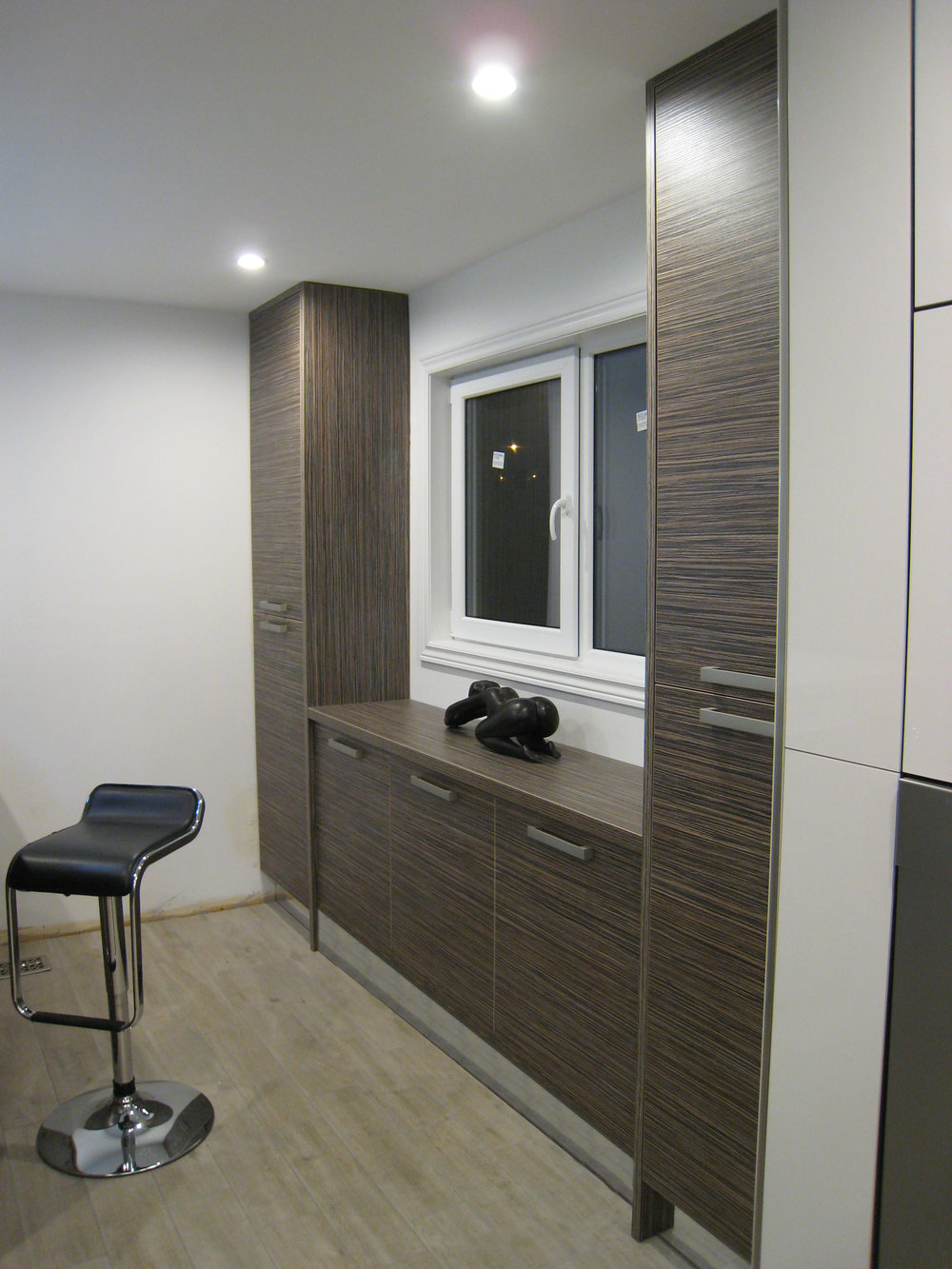 Kitchen 2 Pic 4.JPG