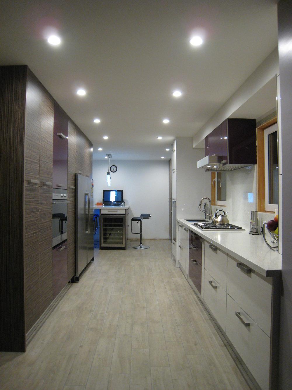 Kitchen 2 Pic 5.JPG