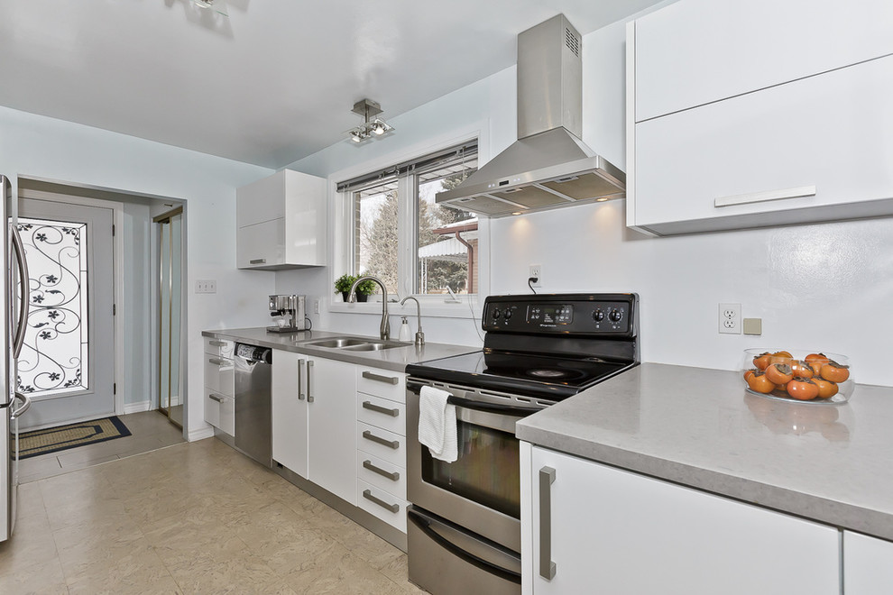 Kitchen 8 Pic 1.jpg