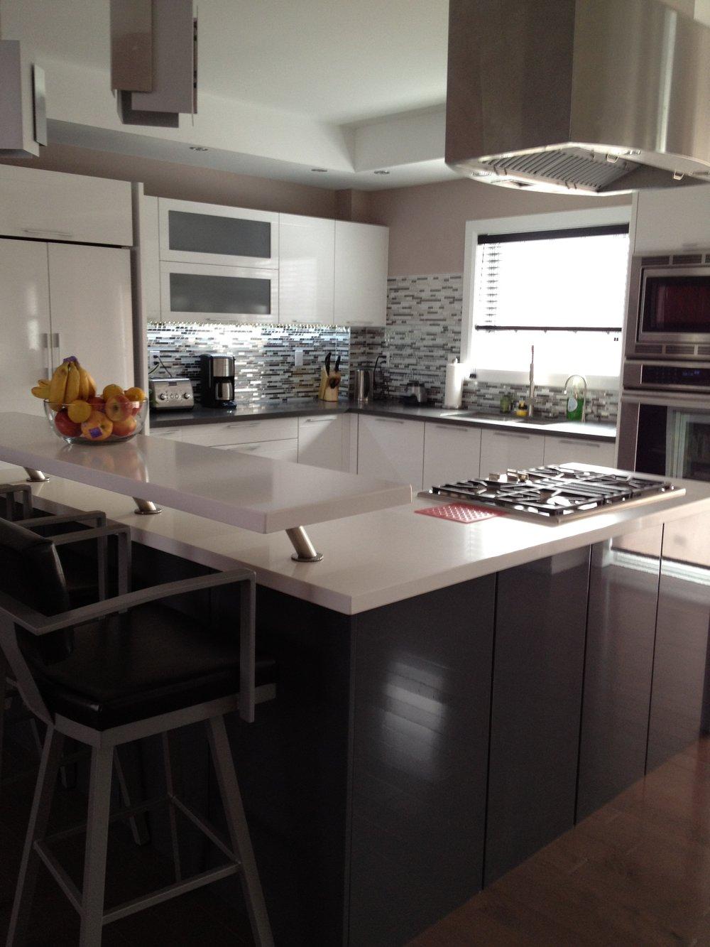 Kitchen 16 Pic 2.JPG