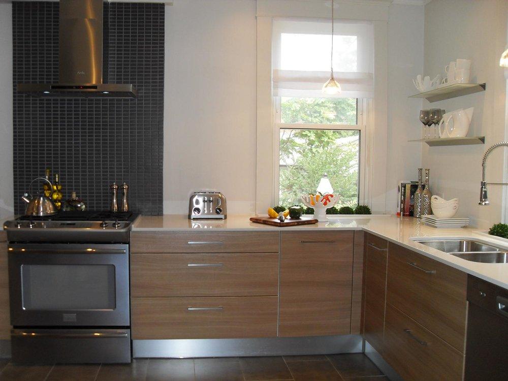 Kitchen 24 Pic 2.jpg
