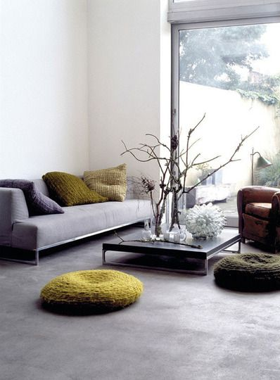 Couch & Coffee Table with Legs