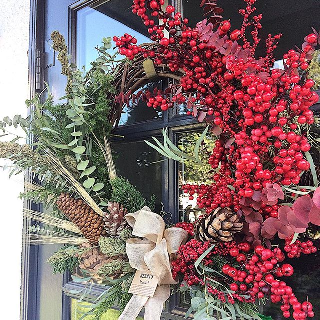 """Friends in LA: we only have a few wreaths left so order yours today! """"A wreath that's guaranteed to bring you more joy than any other decoration on the market"""" - it's been buzzed about from London to New Zealand. Only a few left available for delivery in LA to a few lucky folks. Handcrafted with fresh winter foliage that will dry handsomely so the wreath can be used for seasons to come. But we imagine the fresh herb won't last much longer than the 12 days of Christmas. With a full ounce of craft cannabis hanging merrily over your hearth, your home will certainly be the most talked about in town. Get your order in now on our website for delivery this week! henrysoriginal.com #tistheseason"""