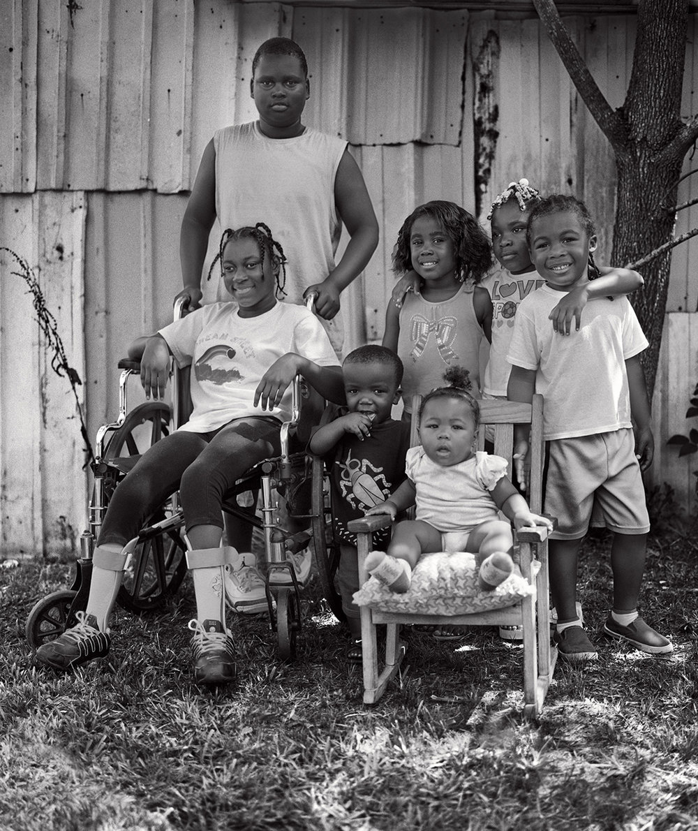 the cousins; markeeta, quindarious, r'nez, azarion, mckenzie, bryson and karli, roynika's baby daughter.