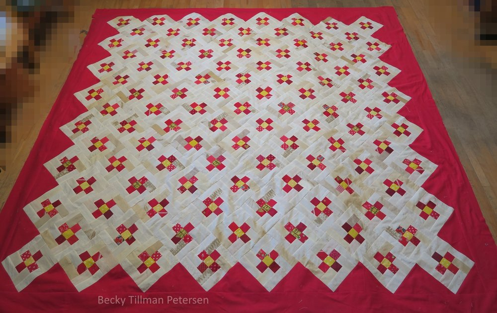 picture of posing posies quilt, forget me not flowers in red