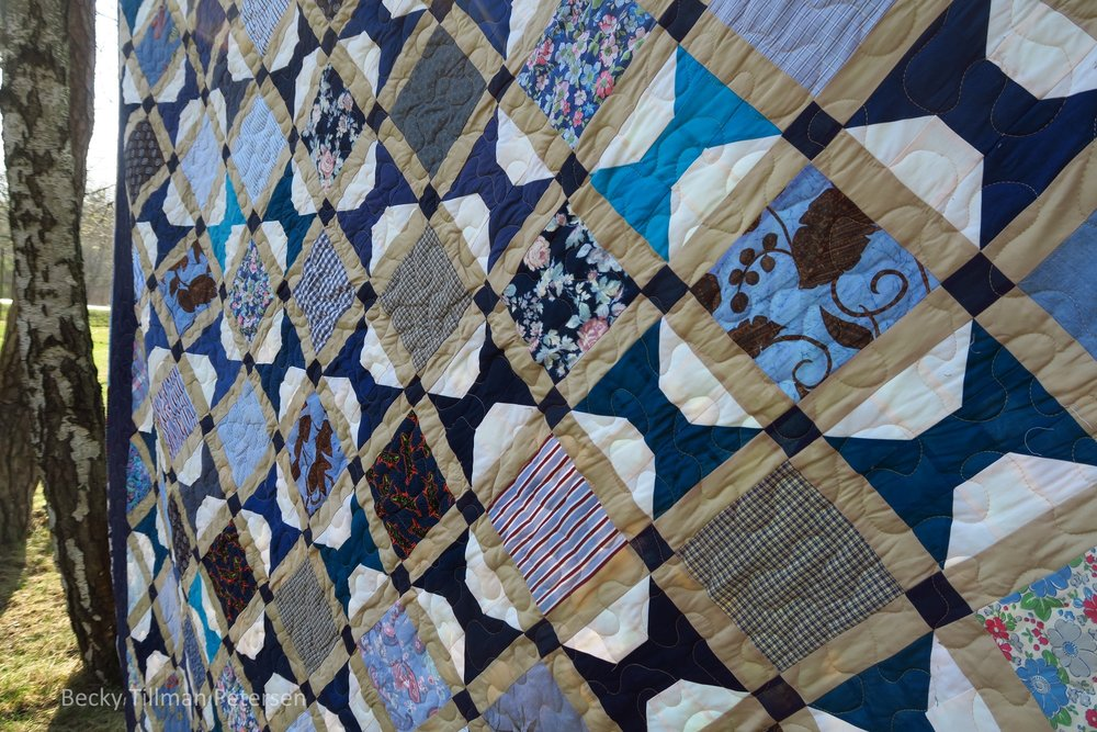 Periscope Quilt Angled View