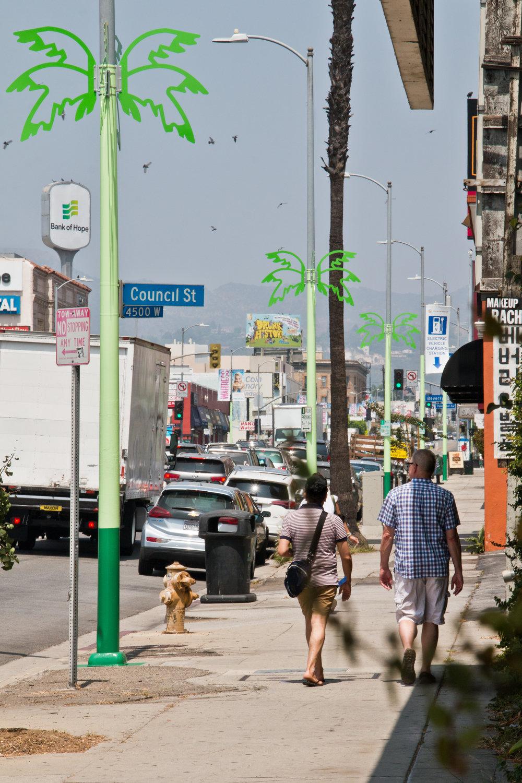 LA-Más_Western_Poles_02.jpg