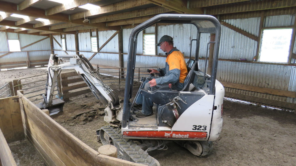 KT's Contracting | Methven | New Zealand | Digger | Agri-contracting