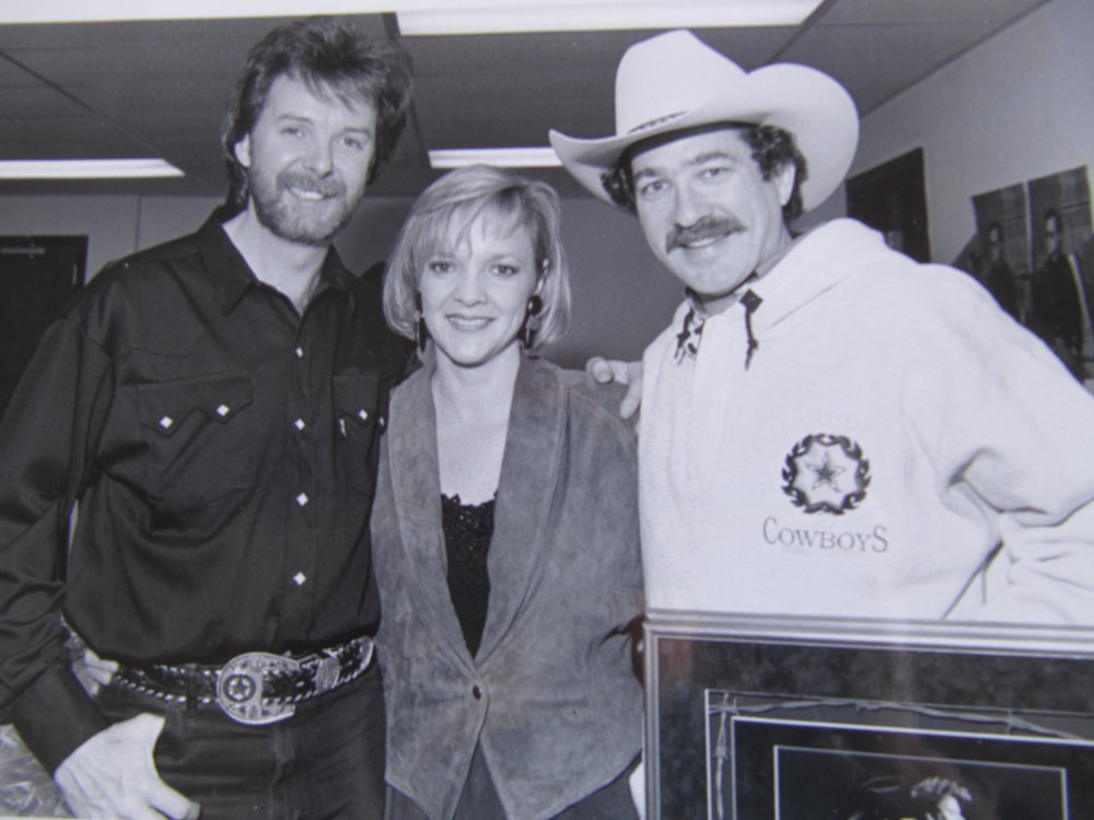 Ronnie Dunn, Ramona & Kix Brooks @ sales awards presentation.JPG