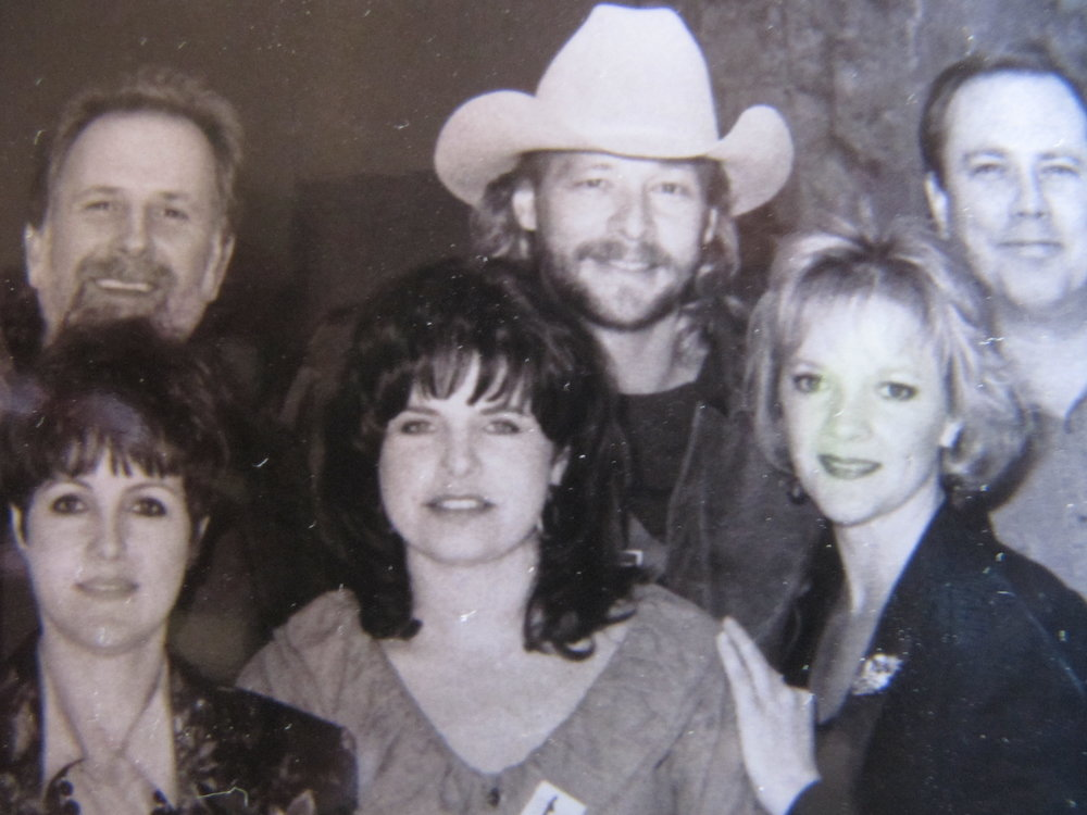 Tim DuBois, Alan Jackson, Mike Dungan, Vanessa Parker, Rhonda Forlaw, Ramona at Country Radio Seminar 1991.JPG