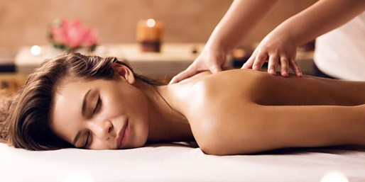 Let your stress go while you relax and enjoy this complimentary therapeutic massage that includes restorative aromatherapy.