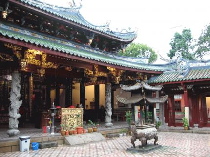 ThianHockKeng_courtyard.JPG