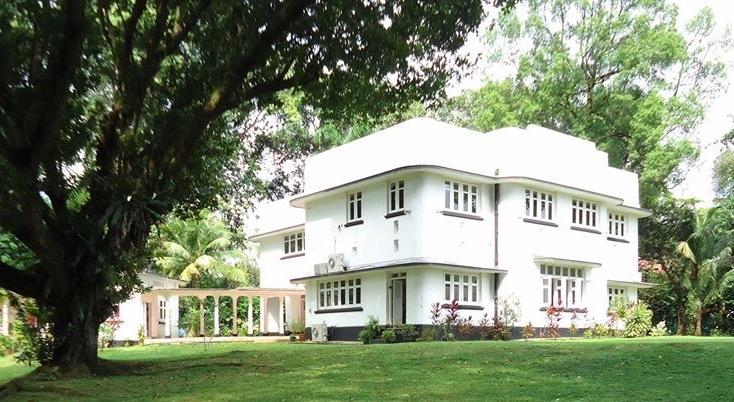 Colonial2.jpg