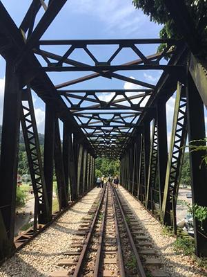 SG quarry railway bridge.JPG