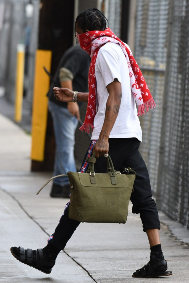 Travis-Scott-Louis-Vuitton-Supreme-scarf-sandals-Champion-sweatpants-5-640x960.jpg