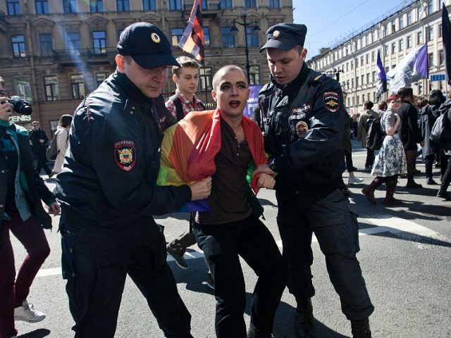 russian-police-arrest-gay-rights-activist-getty-640x480.jpg