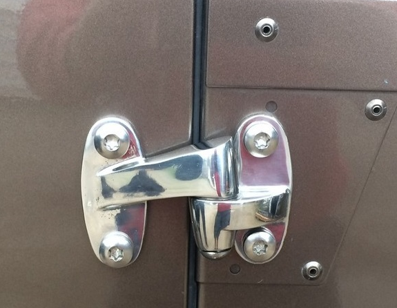Rear_Steel_Door_hinges_4.png