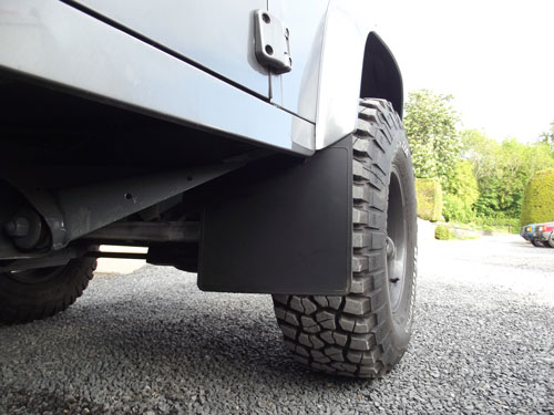 Mudflap_mounting_kit_3.jpg