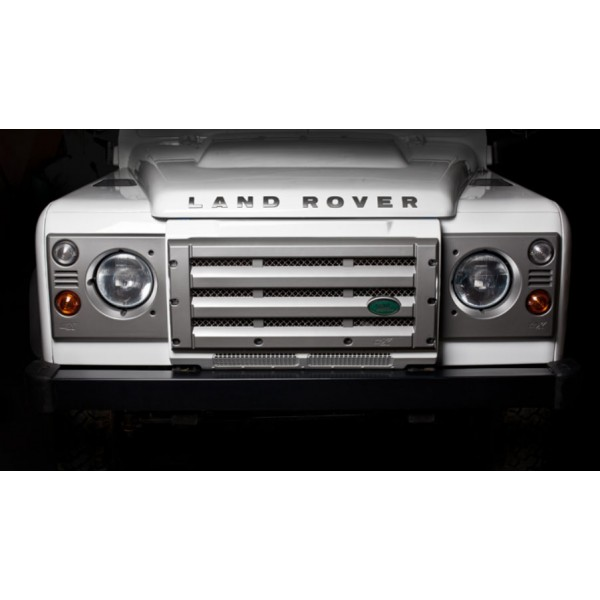 DEFENDER_FRONT_GRILLE_LAMP_UPGRADE_KIT_3.jpg