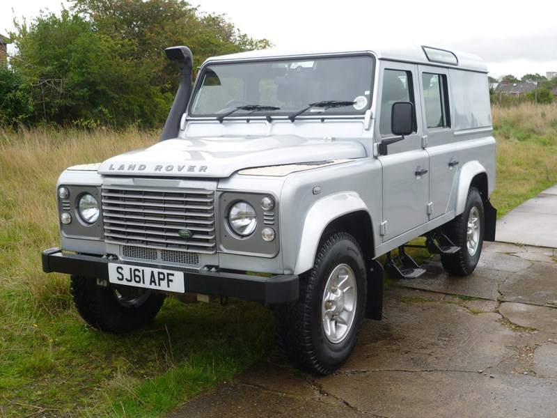 DEFENDER FOLDING SIDE STEP_3.JPG
