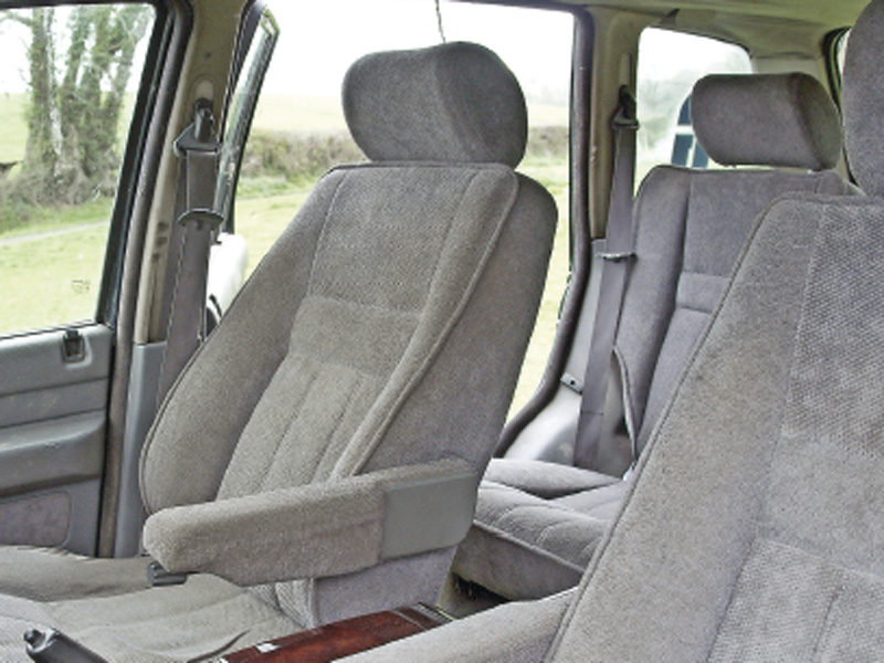 Ask LRO: Will P38 seats fit in a Range Rover Classic? — LRO