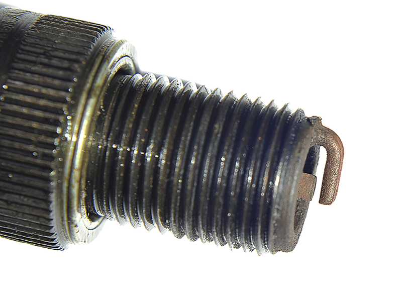 Q18-Spark-plug.jpg