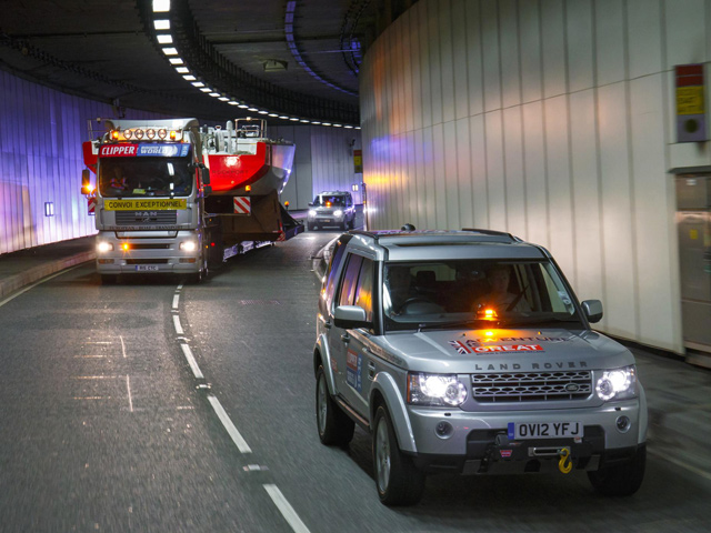 Land-Rover-Clipper-Delivery.jpg