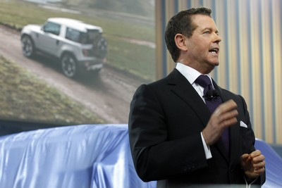 Gerry_McGovern__Land_Rover_Design_Director__during_his_speech_at_the_Indian_debut_of_the_Land_Rover_Defender_Concept_vehicles_(2012)_Land_Rover_29135.png