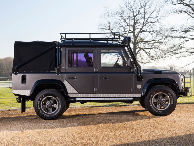Ref-13-Land-Rover-Defender--Tomb-Raider--2.jpeg
