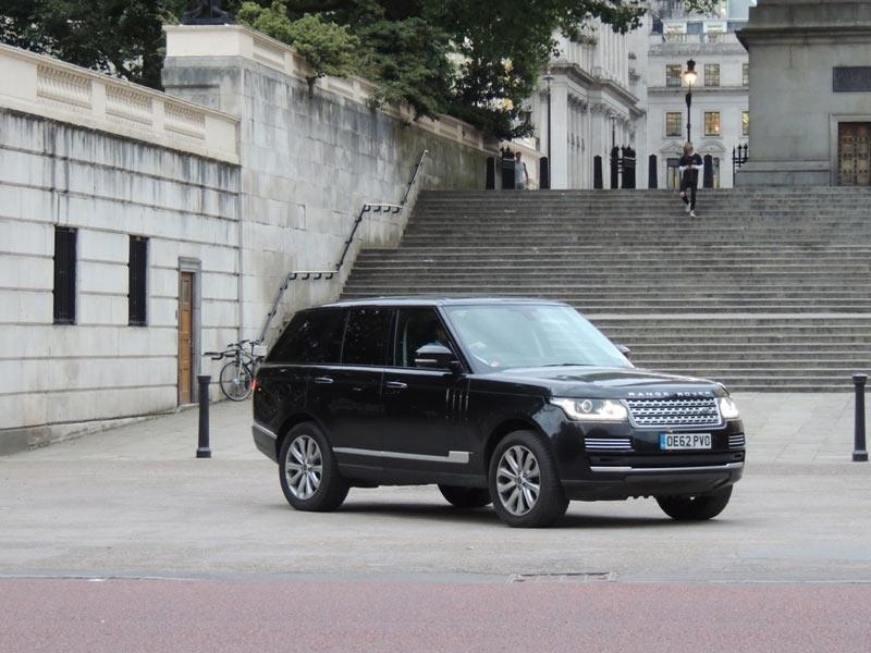 Royal-Range-Rover-Pic-(2)-6-.jpg