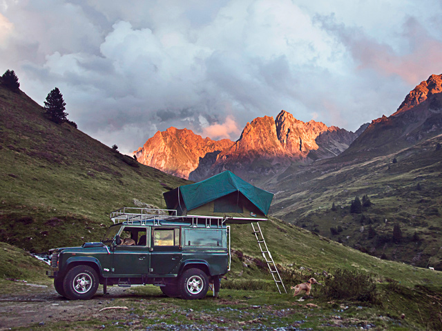 chris-scott-pyrenees-defender.jpg