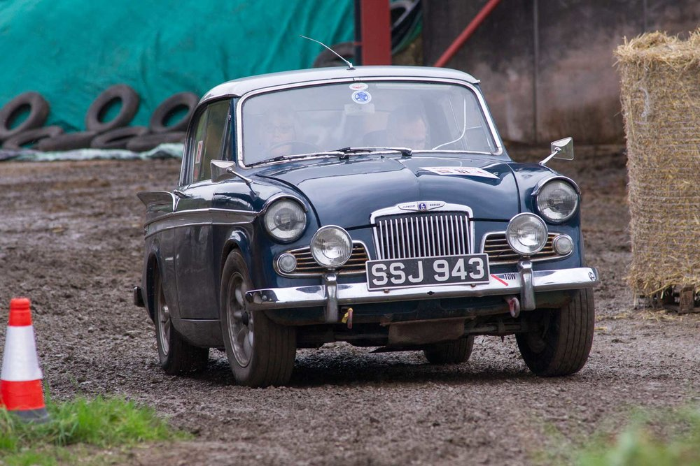 Sue Shoosmith/Sandy Campbell, 1962 Sunbeam Rapier