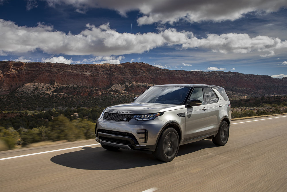 Land Rover Discovery 5 front.jpg