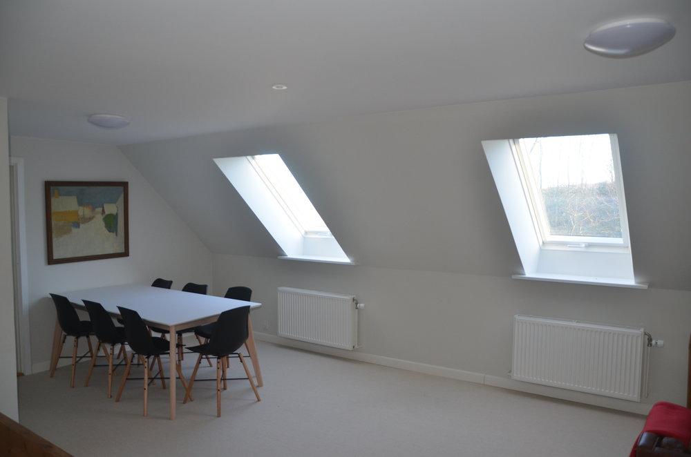 B Living Room 10.JPG