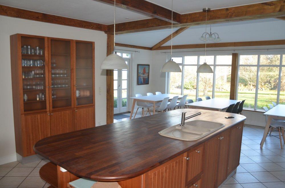 C Kitchen 2.JPG