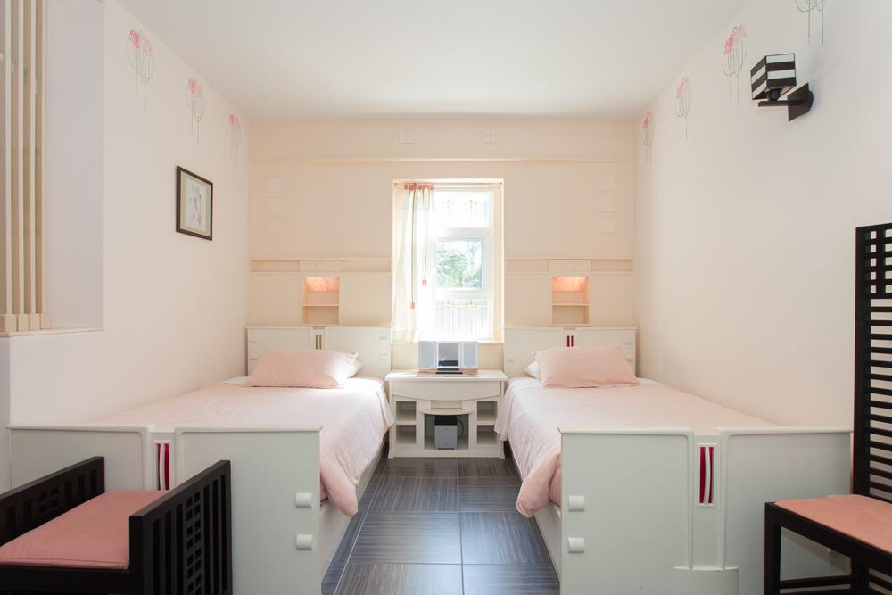 Rose Room BR1