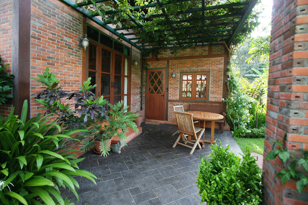 1dragonfly cottage003.jpg