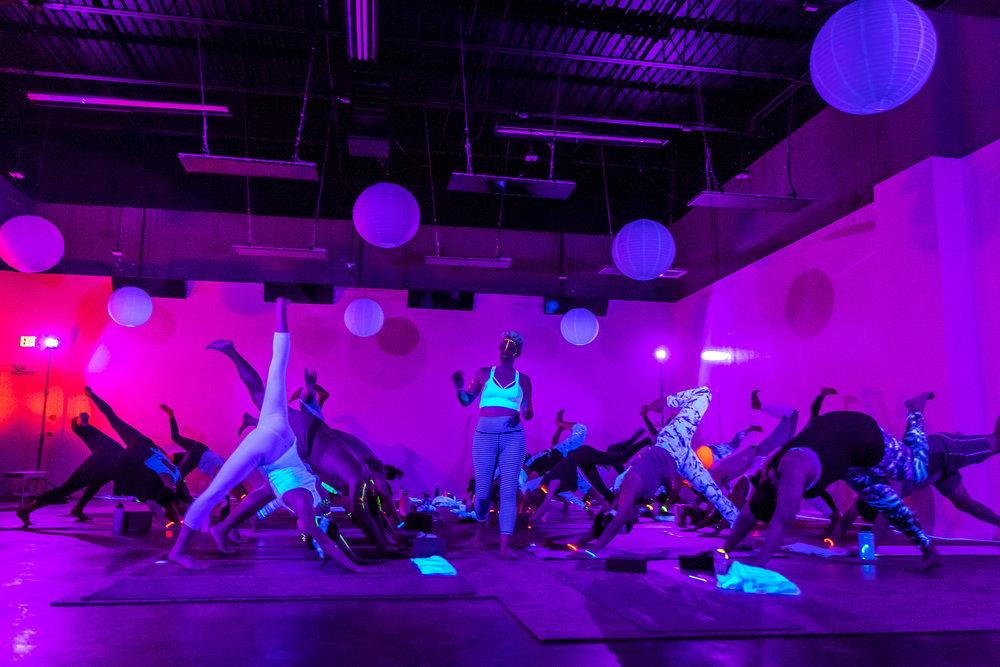 Homegrown Power Yoga Flow & Glow class 499A0011_P.jpg