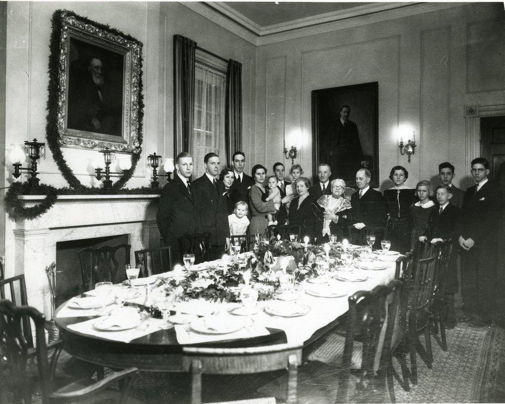 CLUETT FAMILY CHRISTMAS DINNER, C. 1934