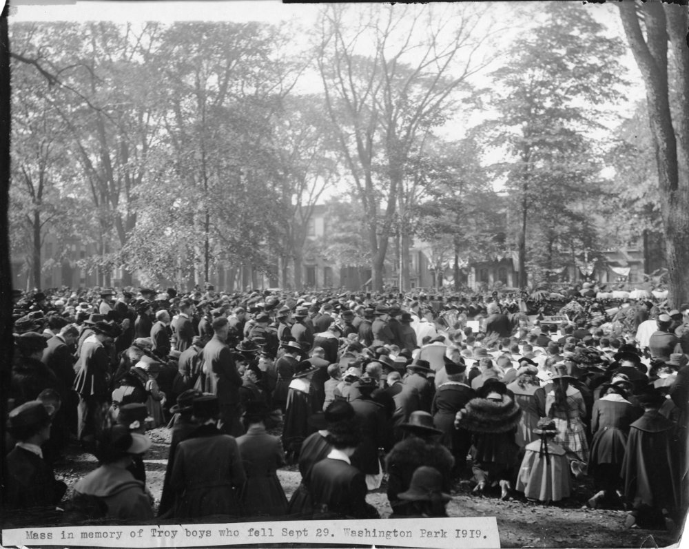 2014-24-4b world war 1 Washington Park mass service053.jpg