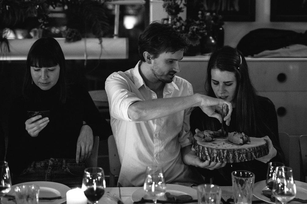 COCO, YOKO & BELL_DINNER 1_81.jpg